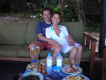 Adam and Robyn - Picnic In Fiji
