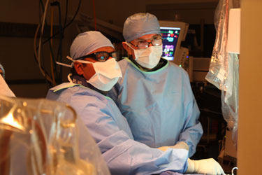 Dr. Saibal Kar and Dr. Alfredo Trento Perform MitraClip Procedure